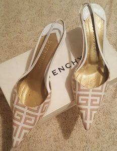 Givenchy kitten heel shoe